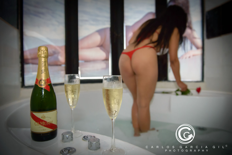 Bar De Putas la nuit bar club, brothel in tenerife, escort service la laguna