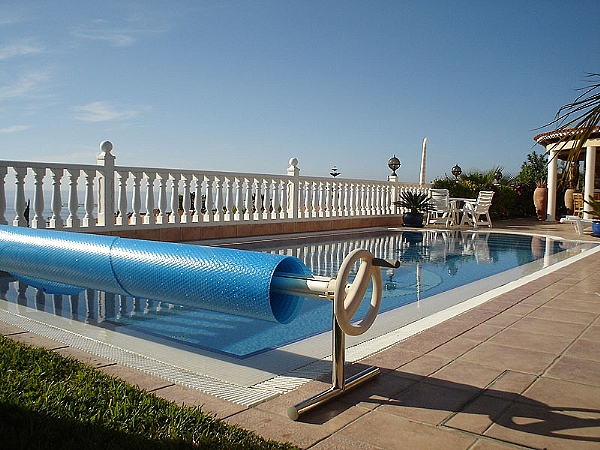 Cubiertas para piscinas en tenerife bombas de calor tenerife for Bombas de calor para piscinas